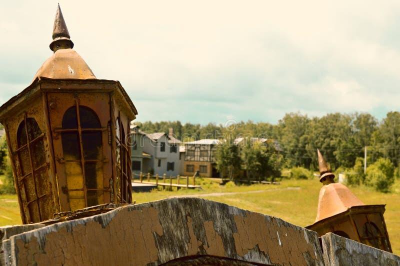 Vista de la ciudad de la cubierta de la nave imagenes de archivo