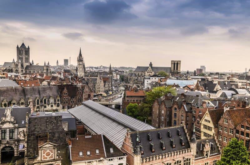Vista de la ciudad de Gante del castillo de las cuentas foto de archivo