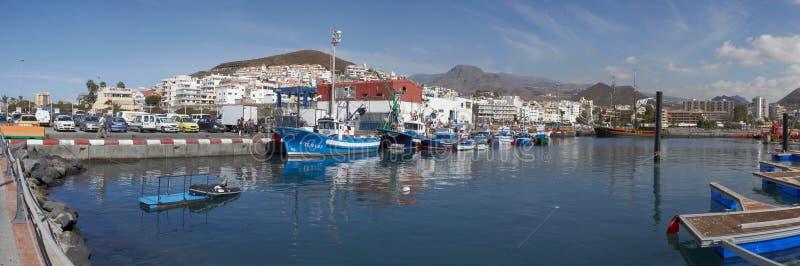 Vista de la ciudad del Los Cristianos, Tenerife, islas Canarias, España fotografía de archivo libre de regalías