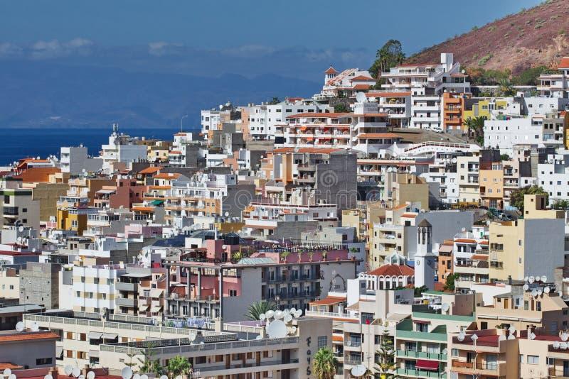 Vista de la ciudad del Los Cristianos Tenerife Islas Canarias españa imágenes de archivo libres de regalías