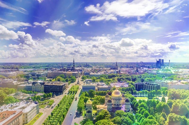 Vista de la ciudad de Riga E imagenes de archivo