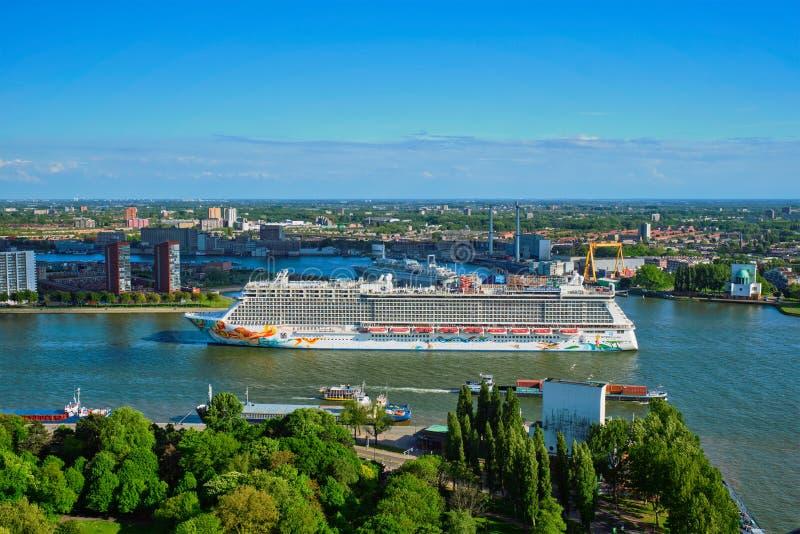 Vista de la ciudad de Rotterdam fotos de archivo