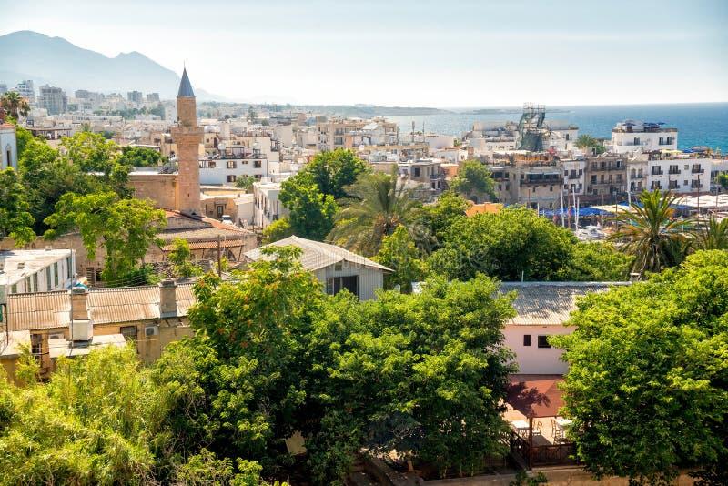 Vista de la ciudad vieja de Kyrenia chipre fotografía de archivo libre de regalías