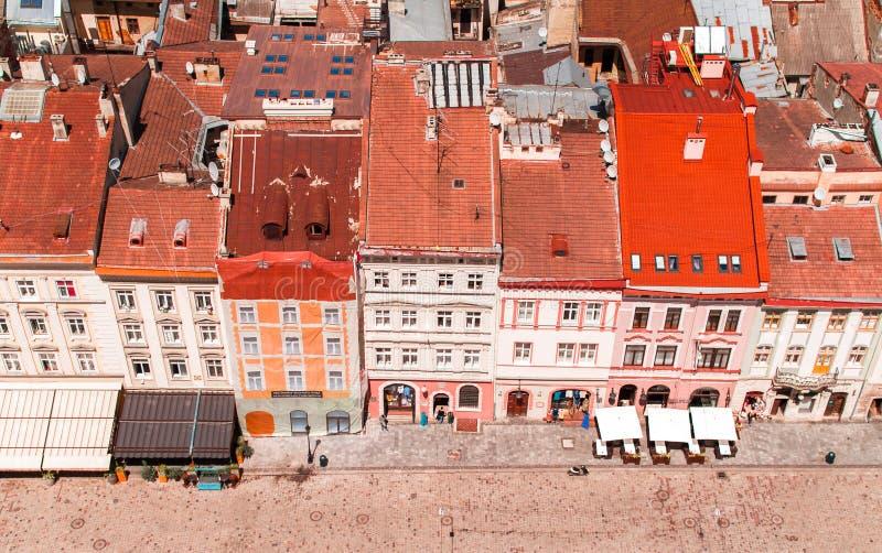 Vista de la ciudad vieja de Lviv imagen de archivo