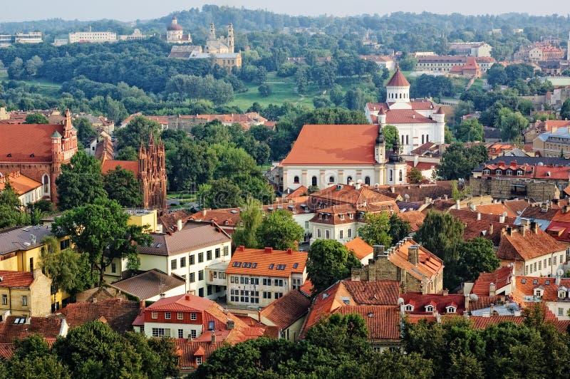 Vista de la ciudad vieja de Vilnius, Lituania fotografía de archivo libre de regalías