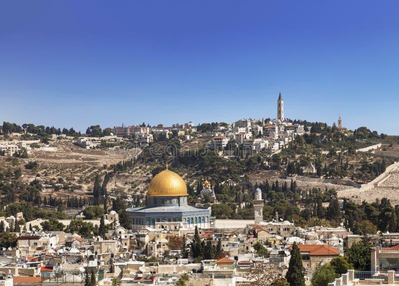 Vista de la ciudad vieja, la mezquita de la roca Omar, la Explanada de las Mezquitas, el monte de los Olivos jerusalén foto de archivo libre de regalías