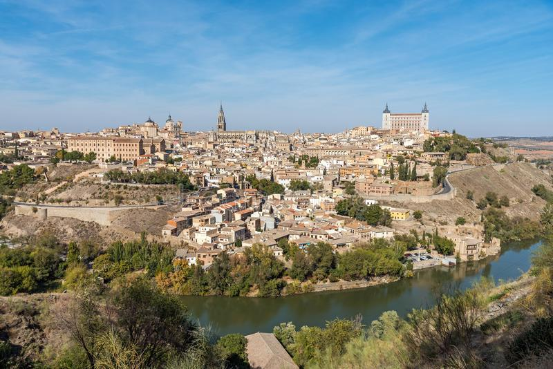 Vista de la ciudad vieja de Toledo en España fotos de archivo