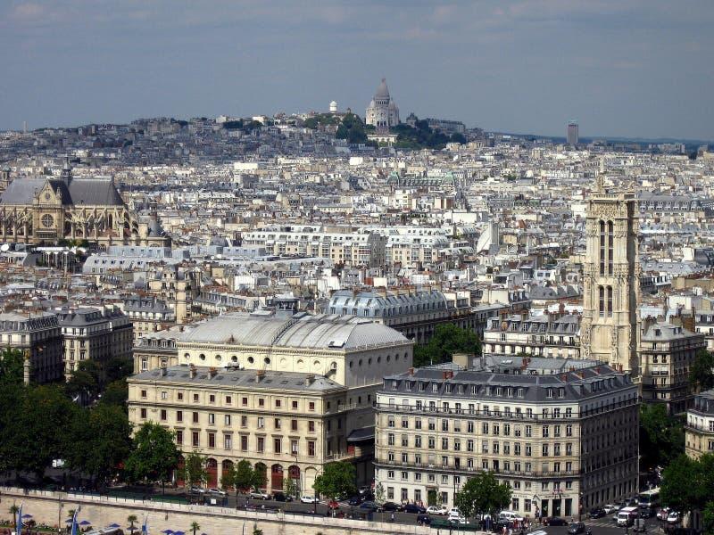 Vista de la colina de Montmartre en París imágenes de archivo libres de regalías