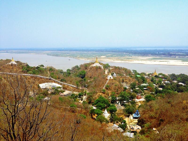 Vista de la colina de Sagaing imagenes de archivo