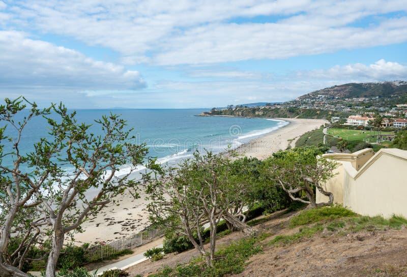 Vista de la costa costa en Dana Point en California fotografía de archivo libre de regalías