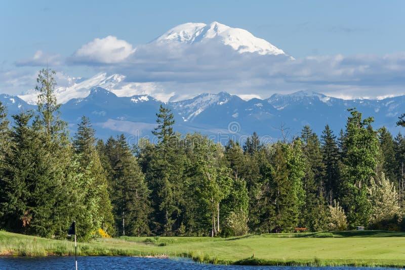 Vista de la cumbre Washington los E.E.U.U. del Monte Rainier imagen de archivo libre de regalías