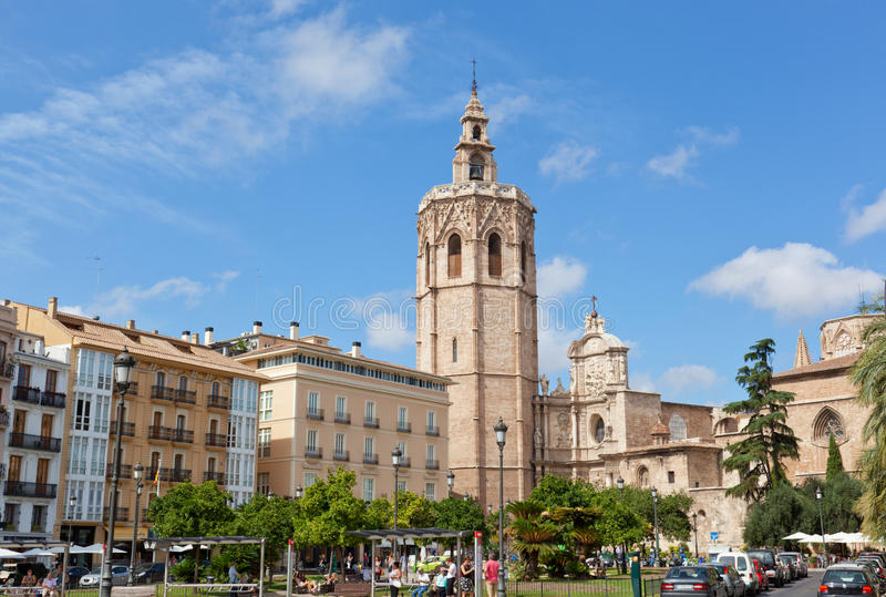 Vista de la fachada de la iglesia de la catedral valencia foto de archivo libre de regalías