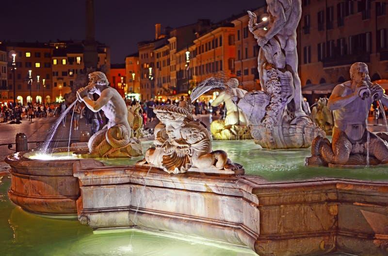 Vista de la fuente del amarrar Fontana del Moro imagen de archivo libre de regalías