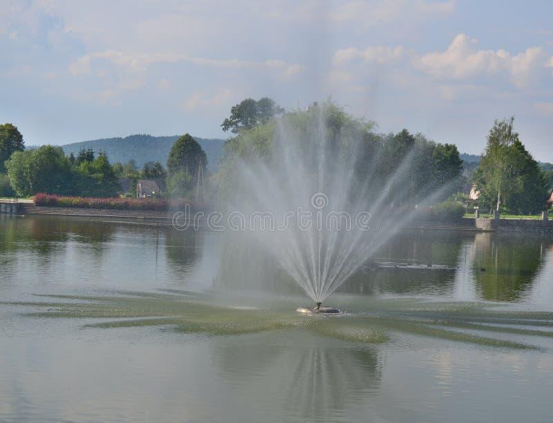 Vista de la fuente, parque del balneario, Kudowa Zdroj imagen de archivo