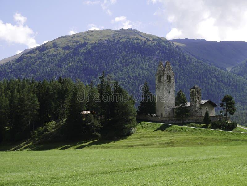 Vista de la iglesia hermosa y antigua de Celerina imagen de archivo libre de regalías