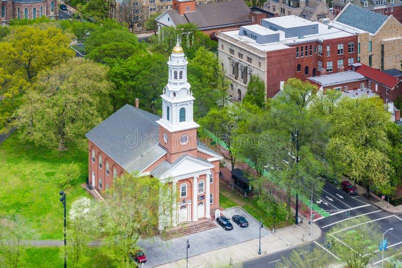 Vista de la iglesia unida en el verde, en New Haven, Connecticut foto de archivo