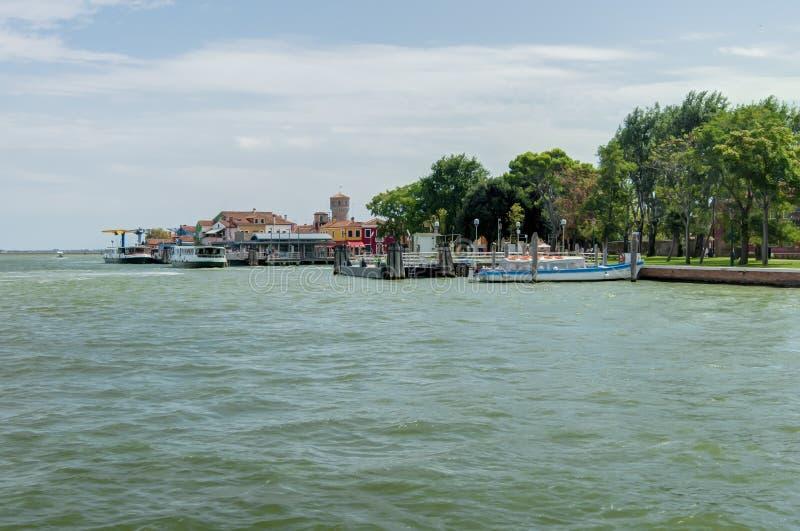 Vista de la isla de Burano de la isla de Mazzorbo fotos de archivo libres de regalías