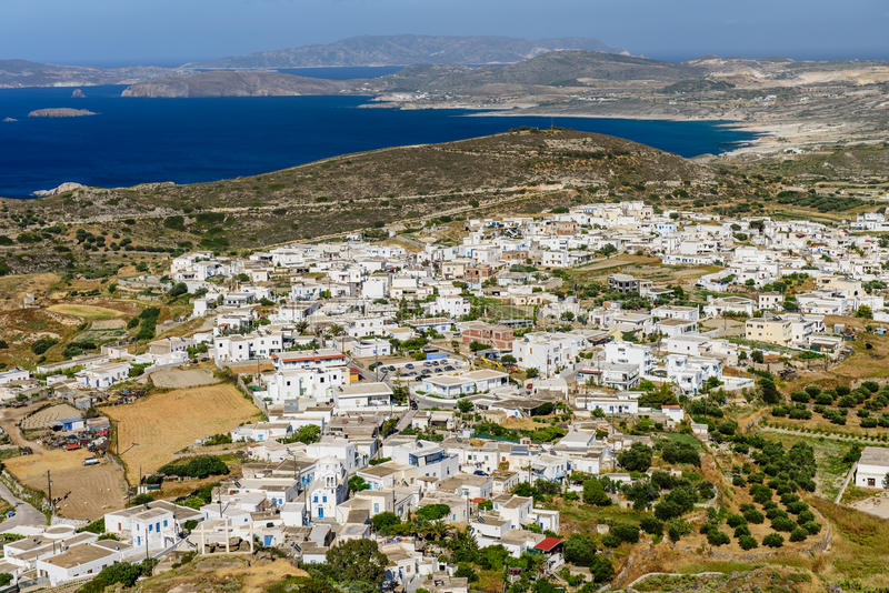 Vista de la isla de Milos imagen de archivo libre de regalías