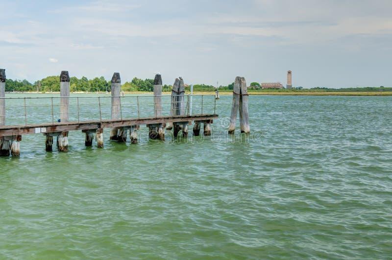 Vista de la isla de Torcello de la isla de Burano foto de archivo