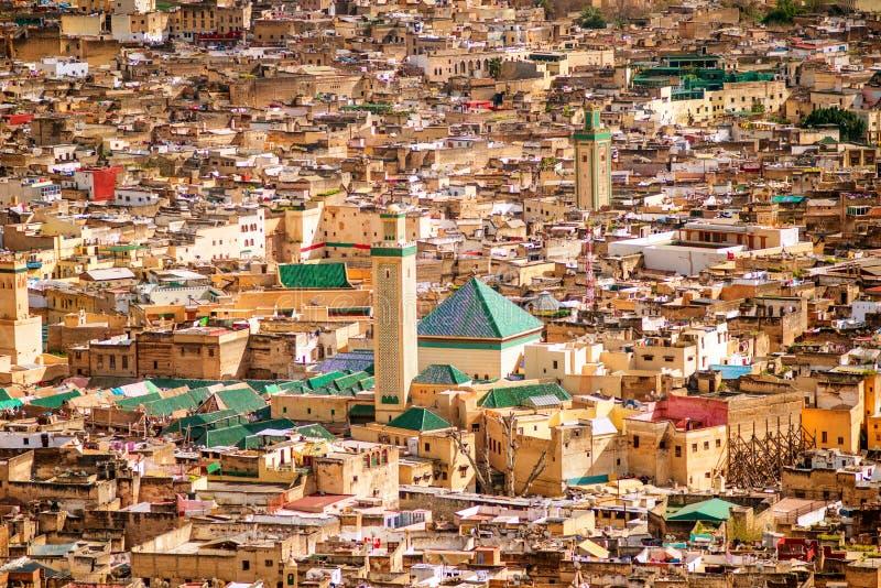 Vista de la mezquita céntrica de Medina del viejo silam en Fes, Marruecos fotos de archivo libres de regalías