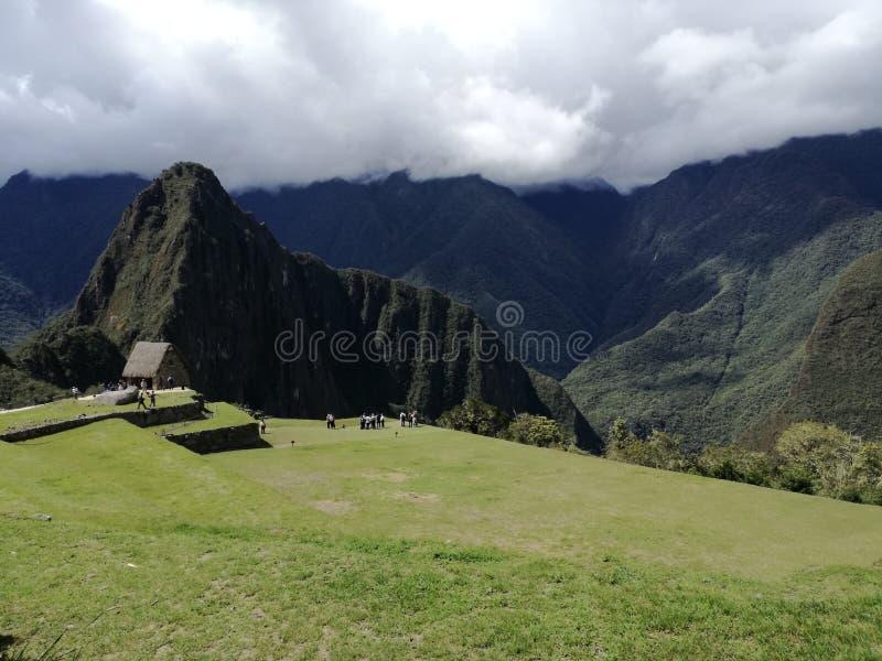 Vista de la montaña del picchu del huayna fotografía de archivo libre de regalías