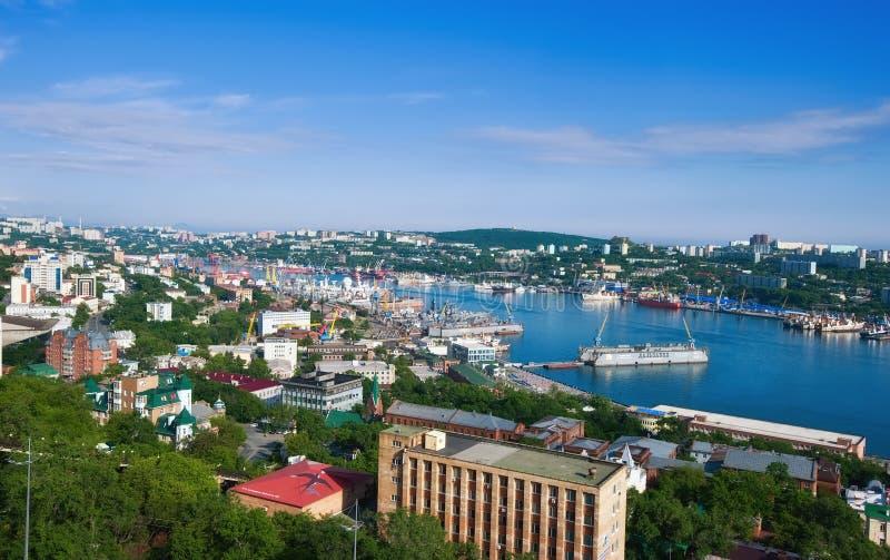 Vista de la parte de Vladivostok Rusia 13 06 2015 fotografía de archivo