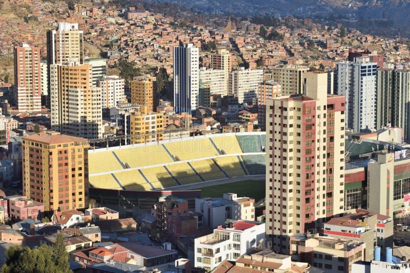 Vista de La Paz, Bolivia imagenes de archivo