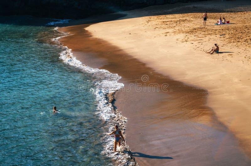 Vista de la playa de Abama en Tenerife cerca de San Juan imagen de archivo
