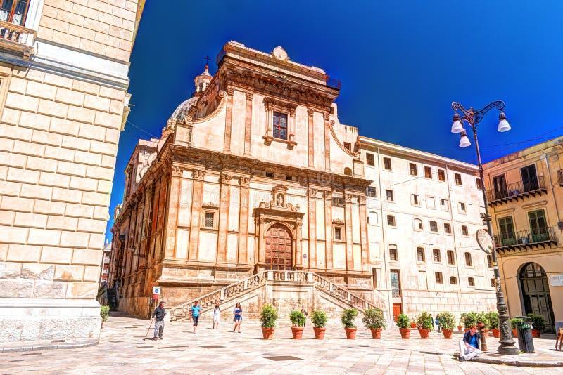 Vista de la plaza Bellini en Palermo, Sicilia, Italia imagenes de archivo