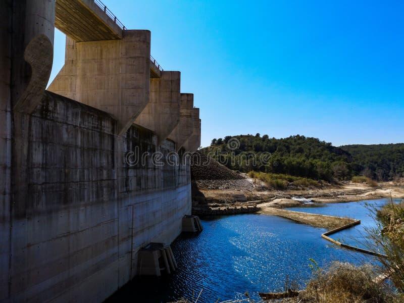 Vista de la presa de Algar imagenes de archivo