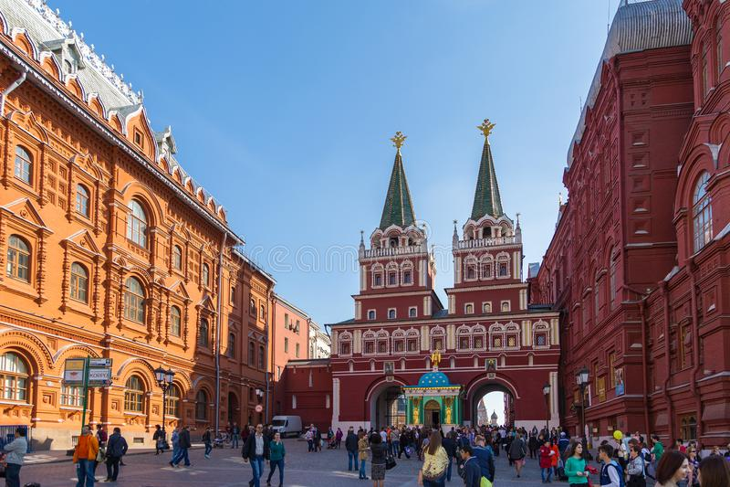Vista de la puerta de la resurrección o de la puerta ibérica en la Plaza Roja, Moscú, Rusia fotos de archivo libres de regalías