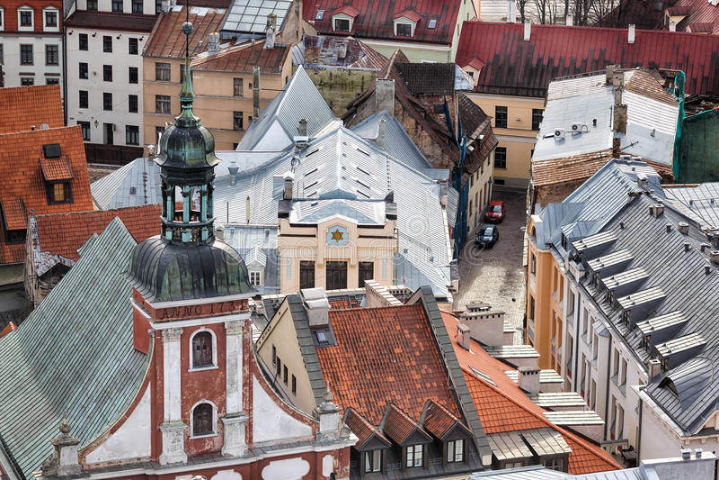 Vista de la sinagoga en Riga fotos de archivo