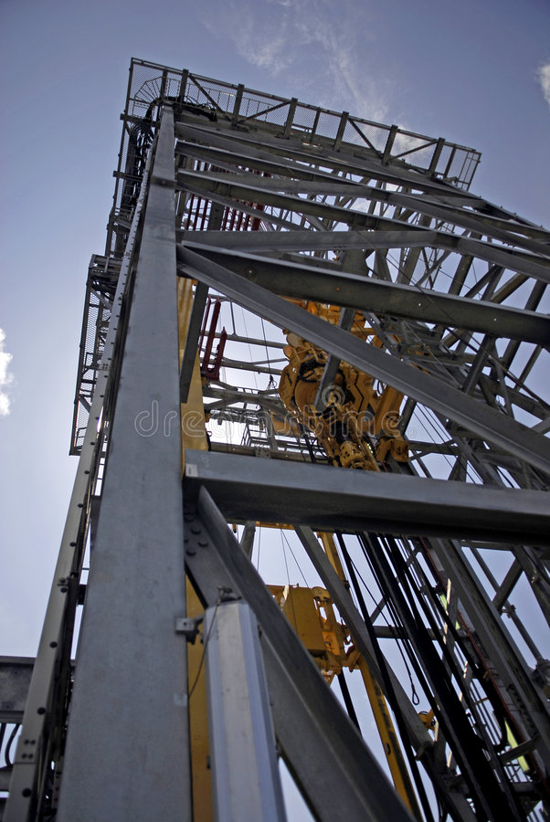 Vista de la torre de perforación de la perforación imagenes de archivo