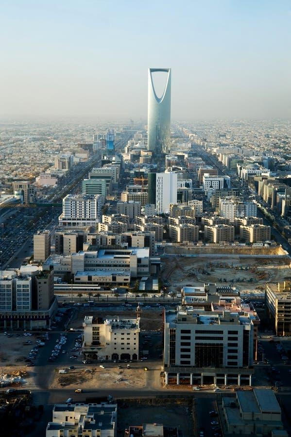 Vista de la torre de Riyadh y del reino imagen de archivo
