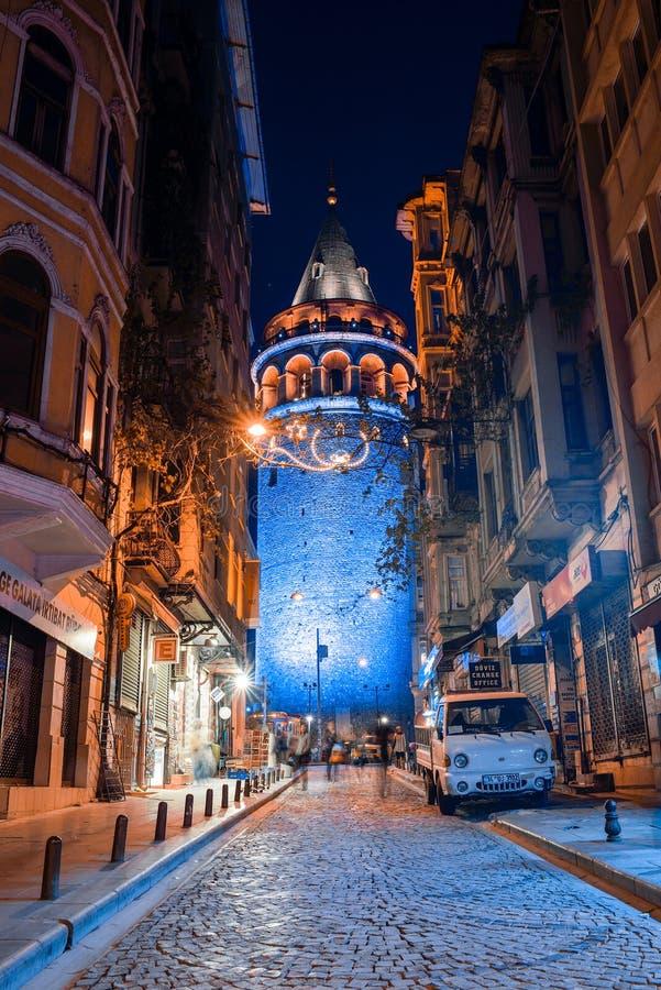 Vista de la torre de Galata en la noche fotografía de archivo libre de regalías