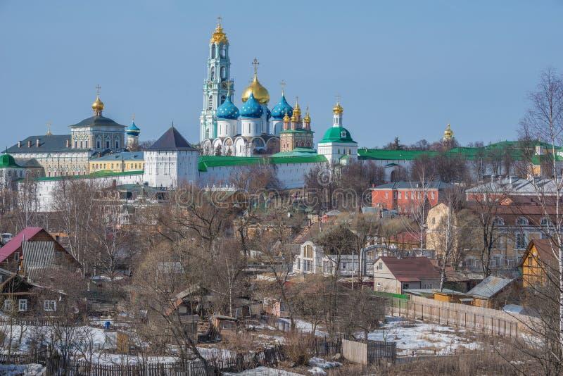 Vista de la trinidad Sergius Lavra en Sergiev Posad imagen de archivo