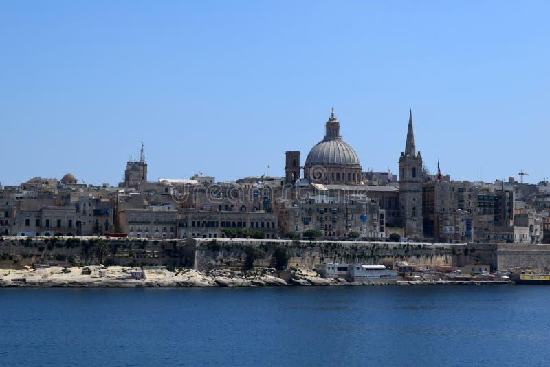 Vista de La Valeta de la costa de Sliema, Malta foto de archivo libre de regalías