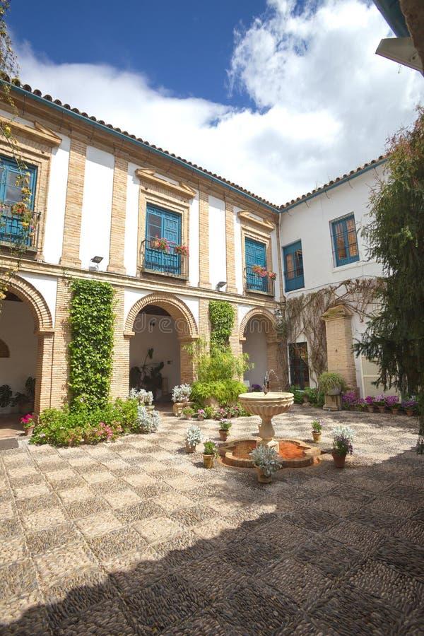Vista de la yarda interna en Córdoba imagen de archivo libre de regalías