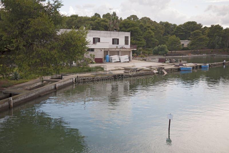 Vista de lagos Alimini foto de stock royalty free