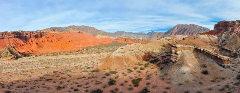 Vista de las formaciones de roca en el Quebrada de las Conchas, Argentin fotos de archivo libres de regalías