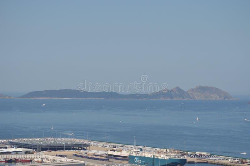 Vista de las islas de Cies de la montaña de Castro In Vigo Naturaleza, arquitectura, historia, viaje 16 de agosto de 2014 Vigo, foto de archivo libre de regalías