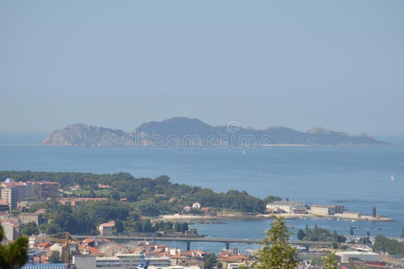 Vista de las islas de Cies de la montaña de Castro In Vigo Naturaleza, arquitectura, historia, viaje 16 de agosto de 2014 Vigo, fotografía de archivo libre de regalías