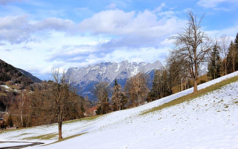 Vista de las montañas de Sankt Juan austria fotografía de archivo libre de regalías