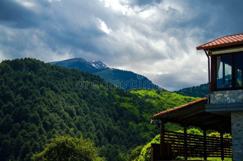 Vista de las montañas Olympus, Pieria, Macedonia, Grecia foto de archivo