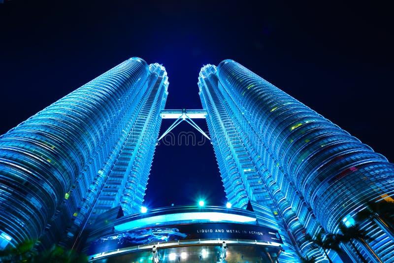 Vista de las torres gemelas de Petronas fotografía de archivo libre de regalías