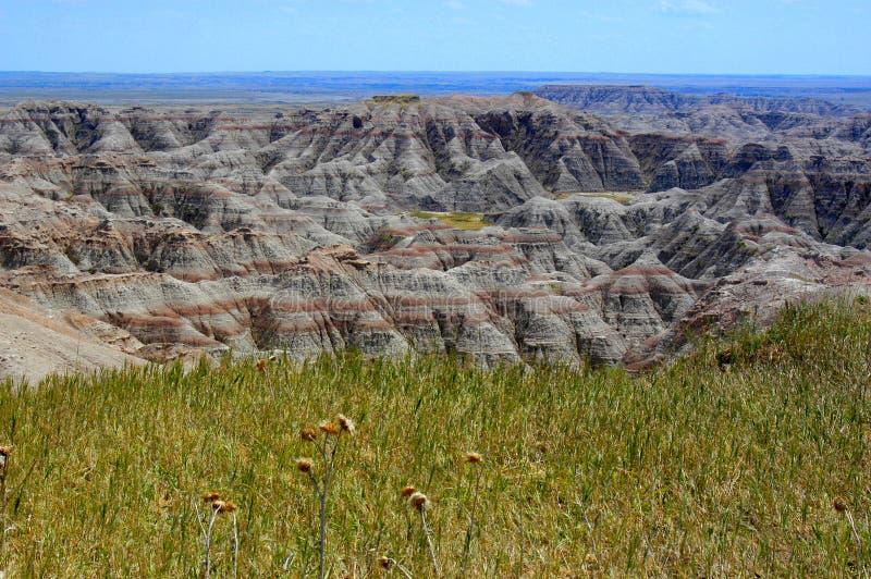 Vista de los Badlands de Dakota del Sur que pasa por alto el paisaje rocoso extenso fotografía de archivo libre de regalías