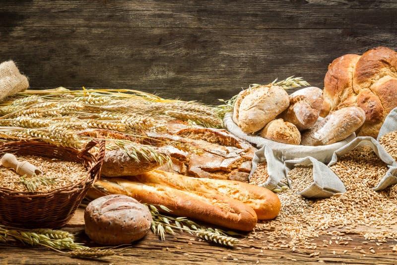 Vista de los productos en panadería fotos de archivo