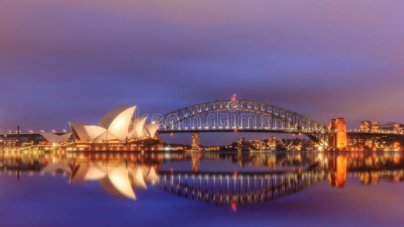 Vista de los teatros de la ópera de Sydney del jardín botánico fotos de archivo