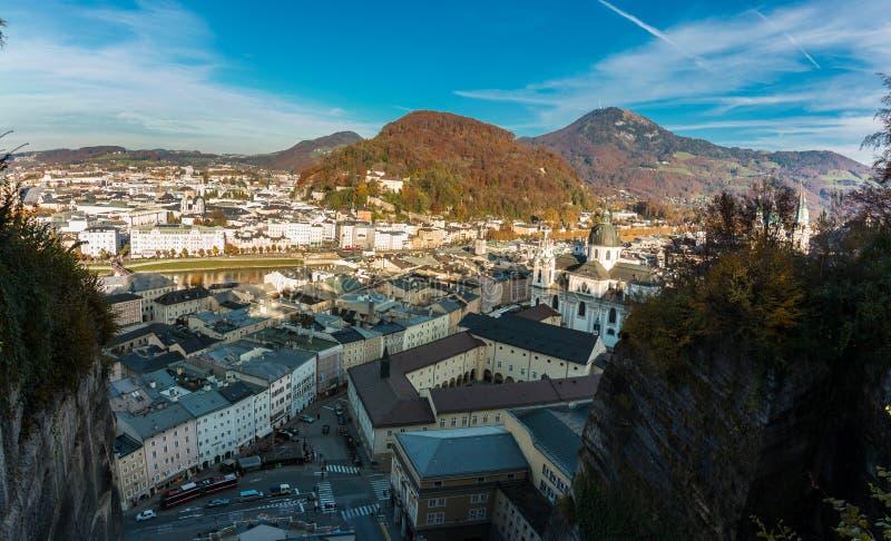 Vista de Mönchsberg, Salzburg imagem de stock