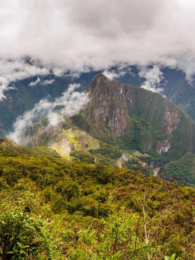 Vista de Machu Picchu da montanha de Machu Picchu imagens de stock royalty free